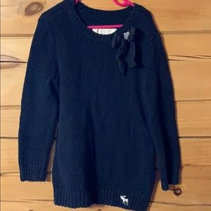 Girls sweater, is size XL but more a medium
